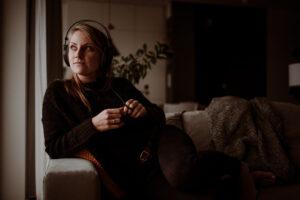 """""""Ból, cierpienie i tęsknota bardzo mnie inspirują"""". Rozmowa z Marią Hajsy"""